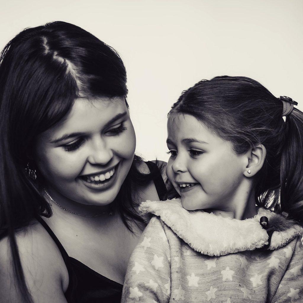 Fotos de estudio en Navidad de Aitana y Alea