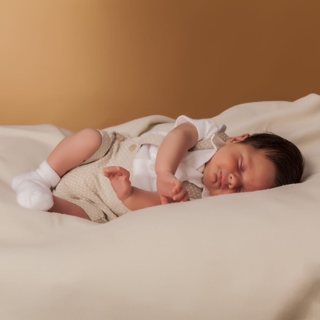 fotógrafo de niños en Asturias, newborn, familias, bebés